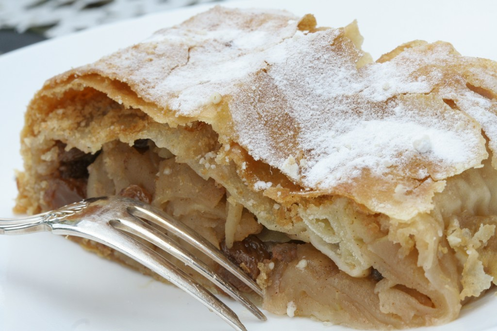 Traditional Applestrudel